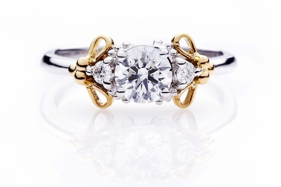 001_Ling Jewellery_Three-stone round cut diamond ring with custom setting
